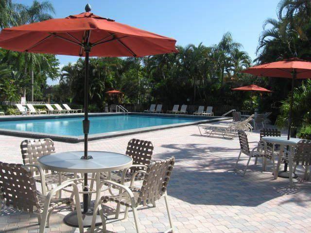 2936 SW 22nd Circle 11C, Delray Beach, FL 33445 (MLS #RX-10724176) :: The Paiz Group