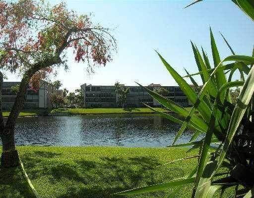 6585 Kensington Lane #102, Delray Beach, FL 33446 (#RX-10724652) :: Treasure Property Group