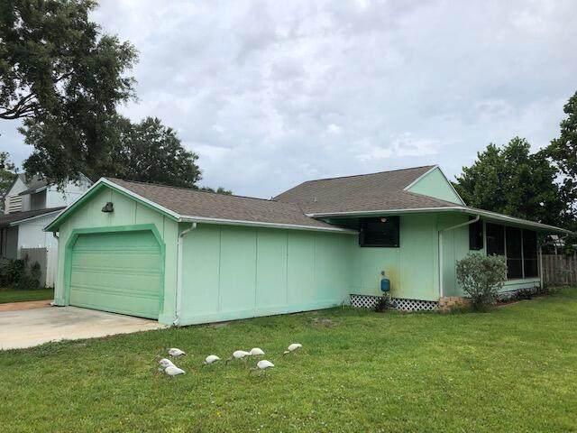 5018 SE Alicia Street, Stuart, FL 34997 (#RX-10725173) :: The Rizzuto Woodman Team