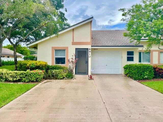 8910 Sunnywood Place, Boca Raton, FL 33496 (#RX-10728666) :: The Reynolds Team | Compass