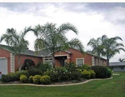 1049 SW Coleman Avenue, Port Saint Lucie, FL 34953 (MLS #RX-10732348) :: Castelli Real Estate Services