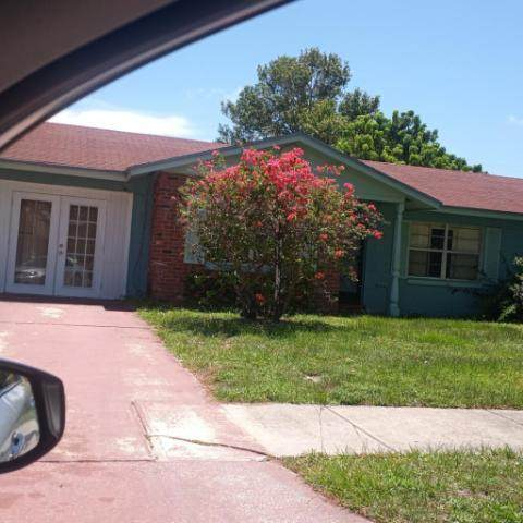112 Bedford Drive, Fort Pierce, FL 34946 (#RX-10732930) :: DO Homes Group