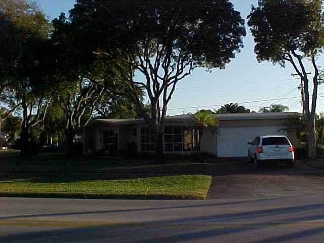 165 Ainsworth Circle, Palm Springs, FL 33461 (#RX-10733436) :: The Rizzuto Woodman Team