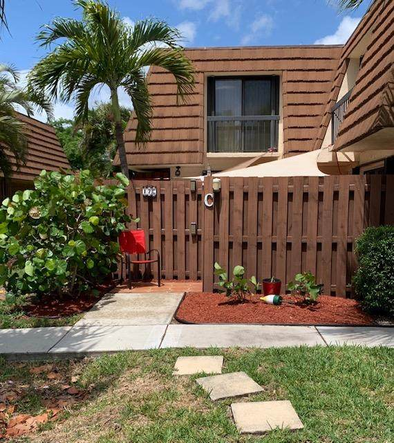 825 Center Street 17C, Jupiter, FL 33458 (MLS #RX-10733457) :: Castelli Real Estate Services