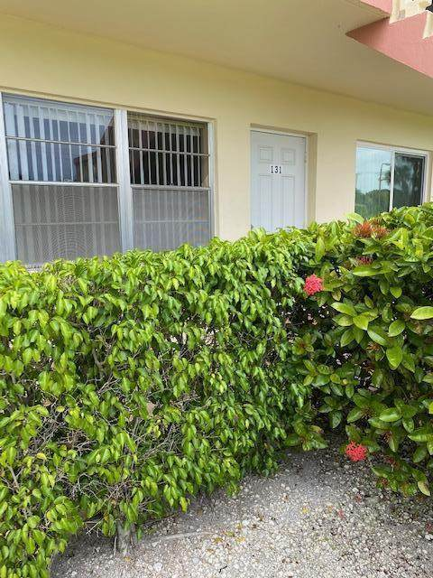 131 Easthampton F, West Palm Beach, FL 33417 (#RX-10734260) :: The Power of 2 | Century 21 Tenace Realty