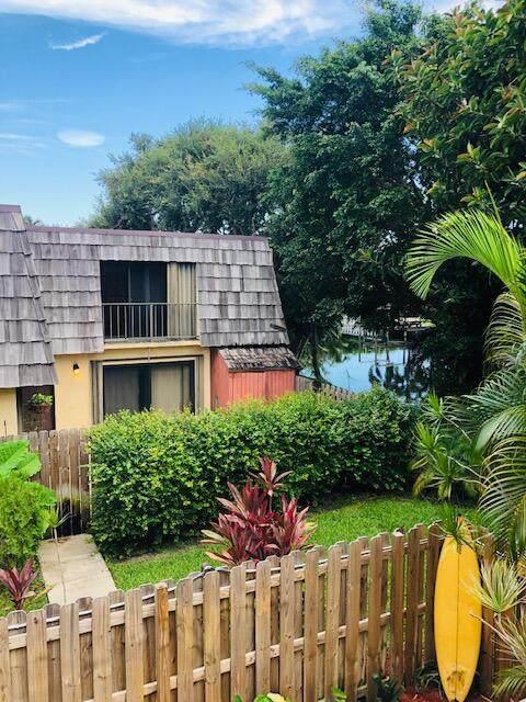 2442 Waterside Drive, Lake Worth, FL 33461 (#RX-10734942) :: Posh Properties