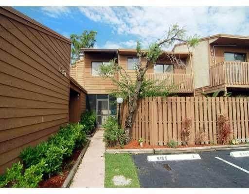 6195 Laurel Lane A, Tamarac, FL 33319 (MLS #RX-10736163) :: Berkshire Hathaway HomeServices EWM Realty