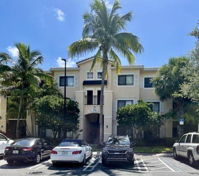 2916 Tuscany Court #201, Palm Beach Gardens, FL 33410 (#RX-10736887) :: Heather Towe | Keller Williams Jupiter