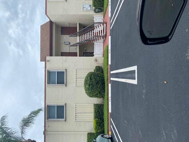 15 Willowbrook Lane #103, Delray Beach, FL 33446 (#RX-10739015) :: IvaniaHomes | Keller Williams Reserve Palm Beach