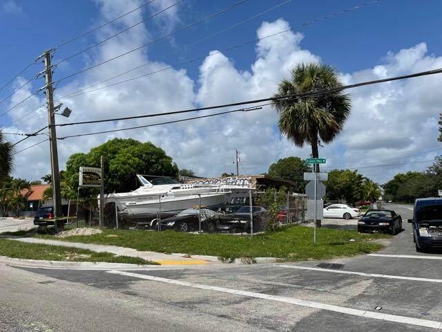 500 SW 6th Ct Court, Pompano Beach, FL 33060 (#RX-10739720) :: The Reynolds Team | Compass