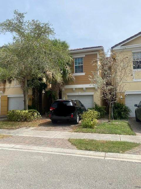 777 Pipers Cay Drive - Photo 1