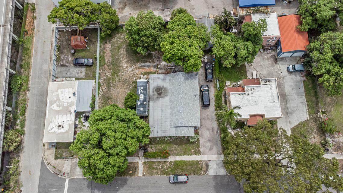 4010 Garden Avenue - Photo 1