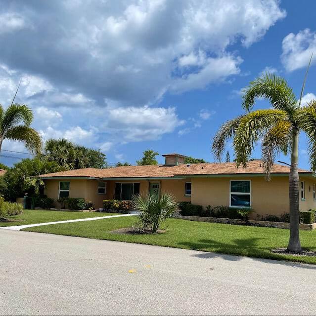 131 Edwards Lane, Palm Beach Shores, FL 33404 (#RX-10743138) :: IvaniaHomes | Keller Williams Reserve Palm Beach