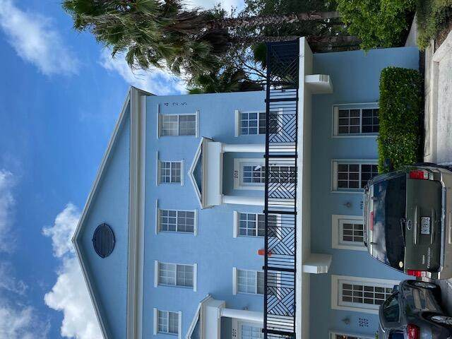 425 Greenwich Circle #208, Jupiter, FL 33458 (MLS #RX-10745636) :: Berkshire Hathaway HomeServices EWM Realty