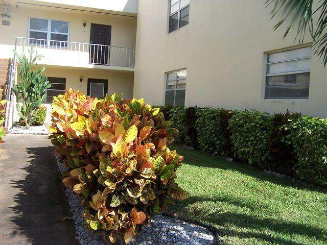 576 Capri L, Delray Beach, FL 33484 (#RX-10745949) :: Heather Towe | Keller Williams Jupiter