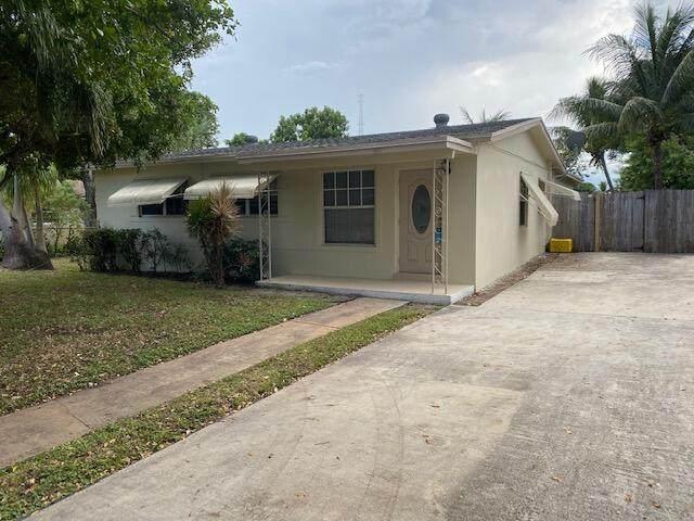 1611 NW 1st Court, Boynton Beach, FL 33435 (MLS #RX-10746772) :: Castelli Real Estate Services