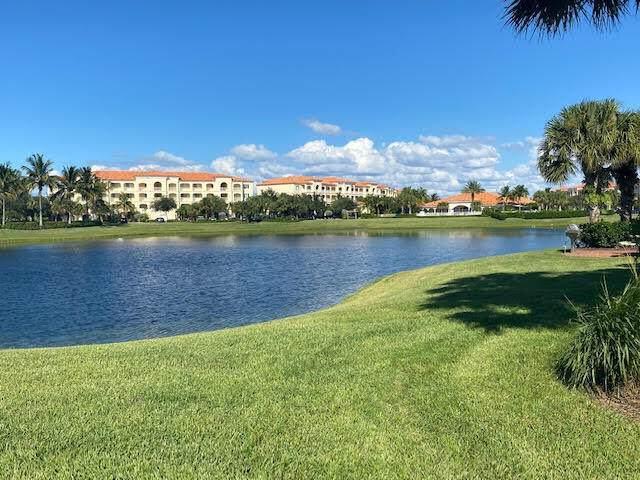33 Harbour Isle Drive W #303, Fort Pierce, FL 34949 (#RX-10748452) :: IvaniaHomes | Keller Williams Reserve Palm Beach