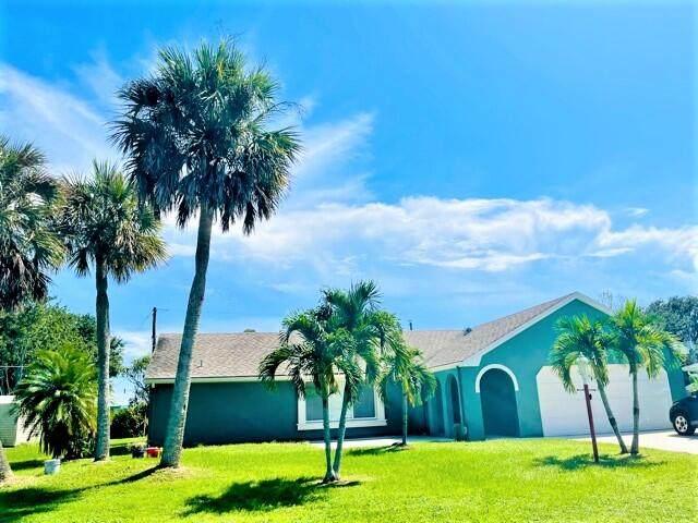2115 SE Holland Street, Port Saint Lucie, FL 34952 (#RX-10749478) :: Baron Real Estate