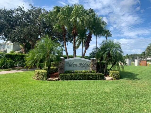 9847 Goldenrod Drive, Boynton Beach, FL 33437 (#RX-10750567) :: Heather Towe | Keller Williams Jupiter