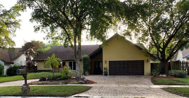 2230 NW 103rd Avenue, Pembroke Pines, FL 33026 (#RX-10750844) :: Michael Kaufman Real Estate