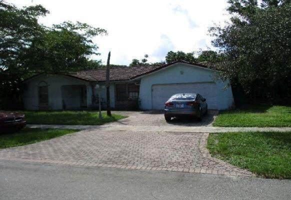 842 W Plantation Circle, Plantation, FL 33324 (#RX-10750871) :: Heather Towe | Keller Williams Jupiter