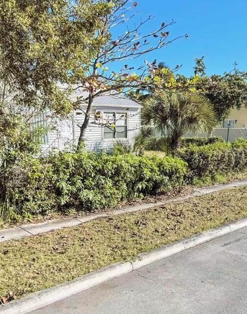 6514 Garden Avenue, West Palm Beach, FL 33405 (MLS #RX-10751822) :: Castelli Real Estate Services