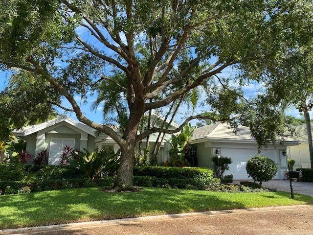 105 Pembroke Drive, Palm Beach Gardens, FL 33418 (MLS #RX-10752535) :: The Teri Arbogast Team at Keller Williams Partners SW