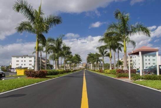137 Fanshaw D, Boca Raton, FL 33434 (#RX-10752975) :: IvaniaHomes | Keller Williams Reserve Palm Beach