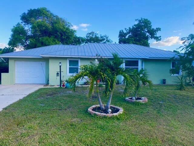 470 NE Lima Vias, Jensen Beach, FL 34957 (#RX-10753197) :: Baron Real Estate