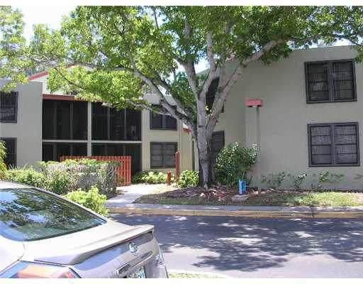 211 Lake Pointe Drive #202, Oakland Park, FL 33309 (#RX-10753977) :: Posh Properties