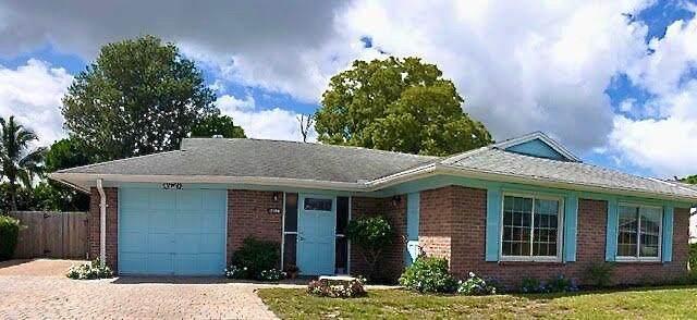 2398 SE Bordeaux Court, Port Saint Lucie, FL 34952 (#RX-10754076) :: Baron Real Estate