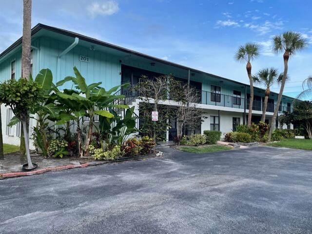 201 SW 1st Street #9, Boca Raton, FL 33432 (MLS #RX-10754489) :: The Paiz Group
