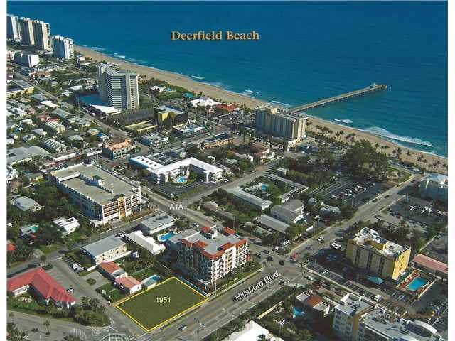 1951 E Hillsboro Boulevard, Deerfield Beach, FL 33441 (MLS #RX-10056064) :: The Paiz Group