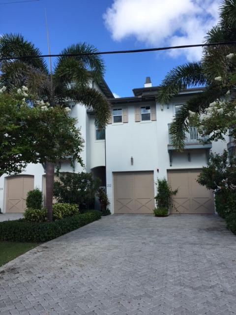 212 Venetian Drive, Delray Beach, FL 33483 (MLS #RX-10358707) :: Berkshire Hathaway HomeServices EWM Realty