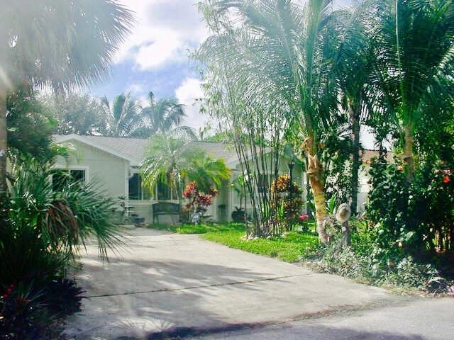 1940 Pleasant Drive, Juno Beach, FL 33408 (#RX-10433172) :: Blue to Green Realty