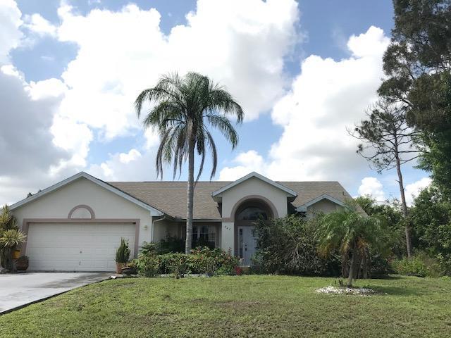 842 SE Carnival Avenue, Port Saint Lucie, FL 34983 (#RX-10435094) :: United Realty Consultants, Inc