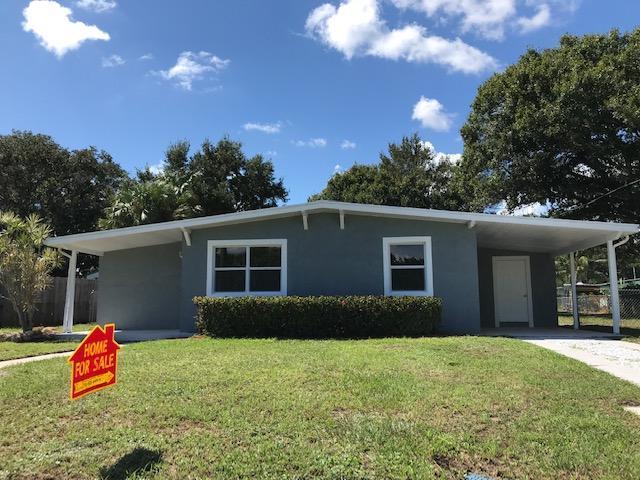 2109 Hills Court, Fort Pierce, FL 34950 (#RX-10470246) :: The Reynolds Team/Treasure Coast Sotheby's International Realty