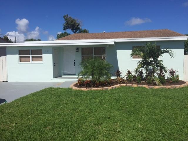 251 NE 13th Street, Delray Beach, FL 33444 (#RX-10470674) :: The Reynolds Team/Treasure Coast Sotheby's International Realty