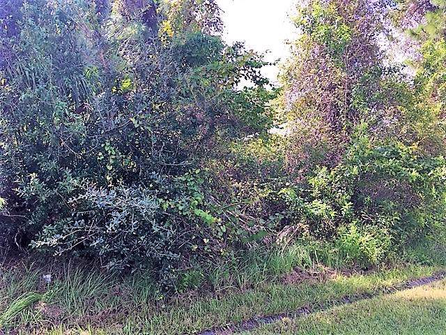 5760 NW Erin Avenue, Port Saint Lucie, FL 34986 (MLS #RX-10572262) :: Laurie Finkelstein Reader Team