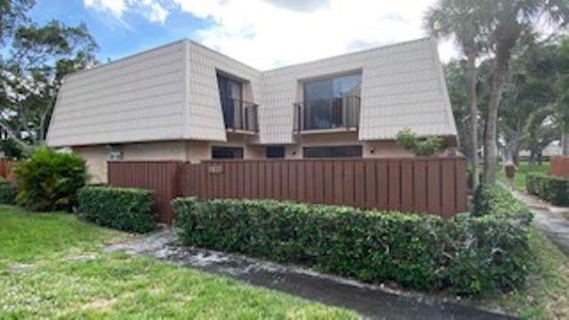 5322 53rd Way, West Palm Beach, FL 33409 (#RX-10585726) :: Ryan Jennings Group