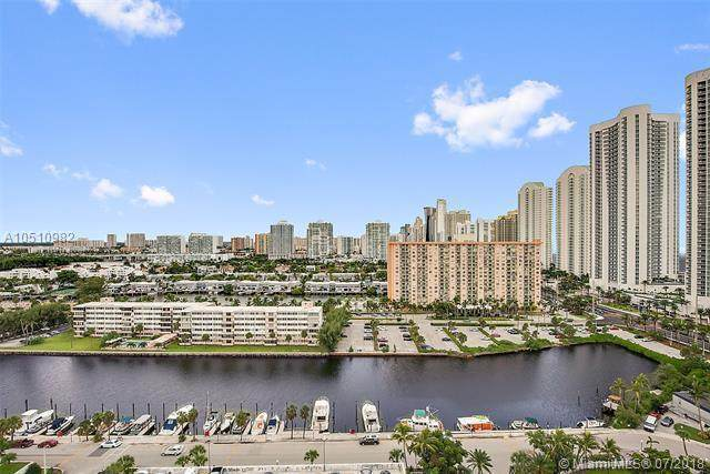 100 Bayview Drive #305, Sunny Isles Beach, FL 33160 (#RX-10597350) :: Ryan Jennings Group