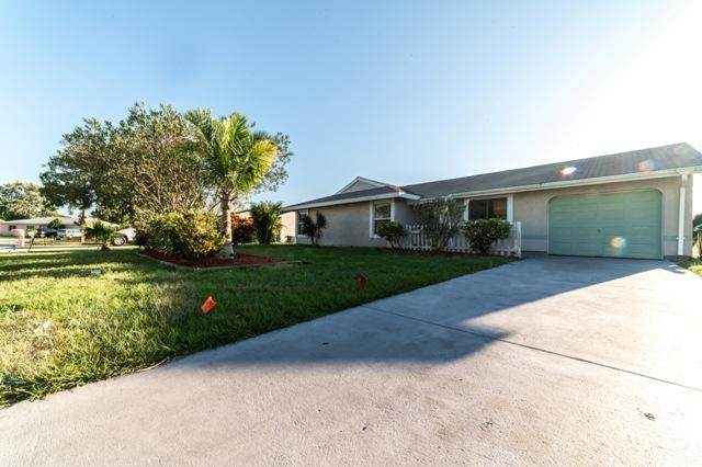 1532 SE Faculty Court, Port Saint Lucie, FL 34952 (#RX-10598381) :: The Reynolds Team/ONE Sotheby's International Realty