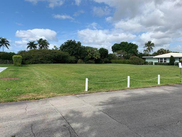 10677 Pine Tree Terrace, Boynton Beach, FL 33436 (#RX-10602836) :: Ryan Jennings Group