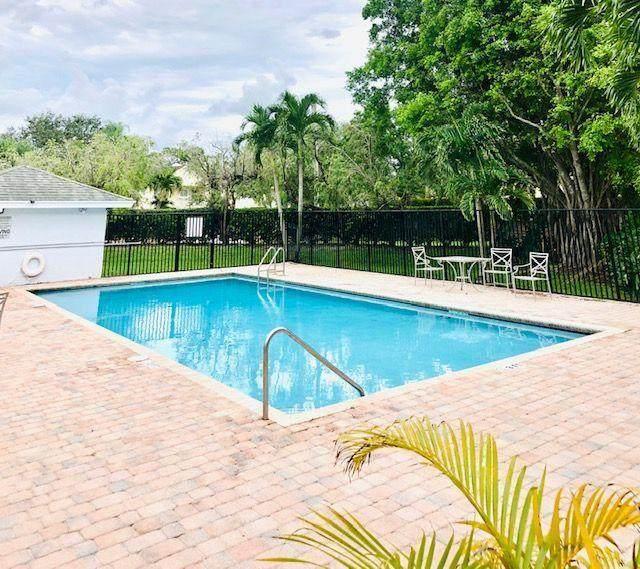 80 Fairway Lane, Royal Palm Beach, FL 33411 (MLS #RX-10625171) :: United Realty Group