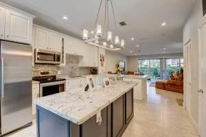 6817 Via Regina, Boca Raton, FL 33433 (MLS #RX-10642487) :: Berkshire Hathaway HomeServices EWM Realty