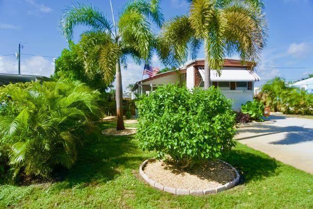 8374 SE Sandy Lane SE, Hobe Sound, FL 33455 (MLS #RX-10665440) :: Berkshire Hathaway HomeServices EWM Realty