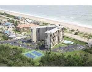 801 S Ocean Drive #303, Hutchinson Island, FL 34949 (MLS #RX-10684211) :: Berkshire Hathaway HomeServices EWM Realty