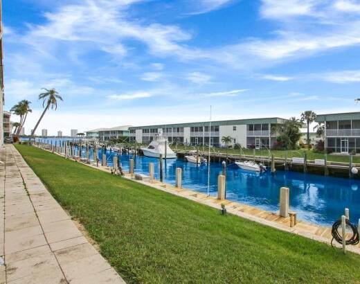 130 Doolen Court #310, North Palm Beach, FL 33408 (#RX-10707123) :: Heather Towe | Keller Williams Jupiter