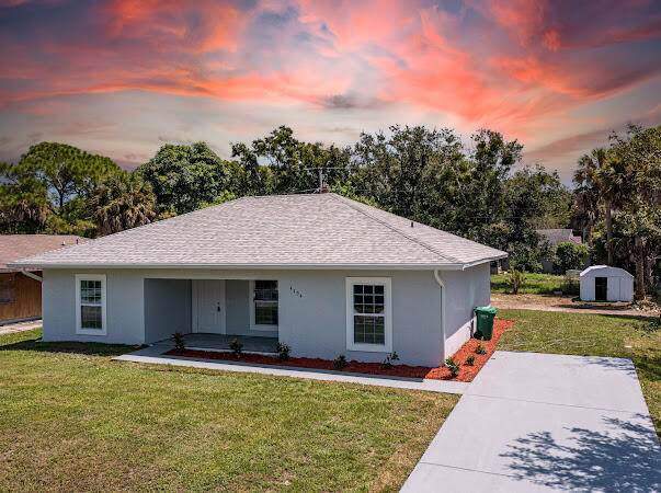 4904 Seagrape Drive, Fort Pierce, FL 34982 (MLS #RX-10741864) :: Castelli Real Estate Services