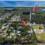 8550 SE Gomez Avenue, Hobe Sound, FL 33455 (#RX-10751487) :: Baron Real Estate